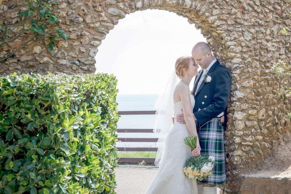 DEVEN-WEDDING-PHOTOGRAPHER-DEER-PARK-HOTEL-0024