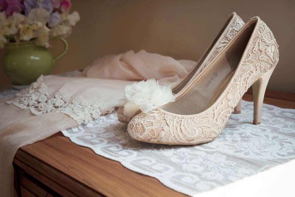 Wedding-At-The-Oak-Barn-Devon-008