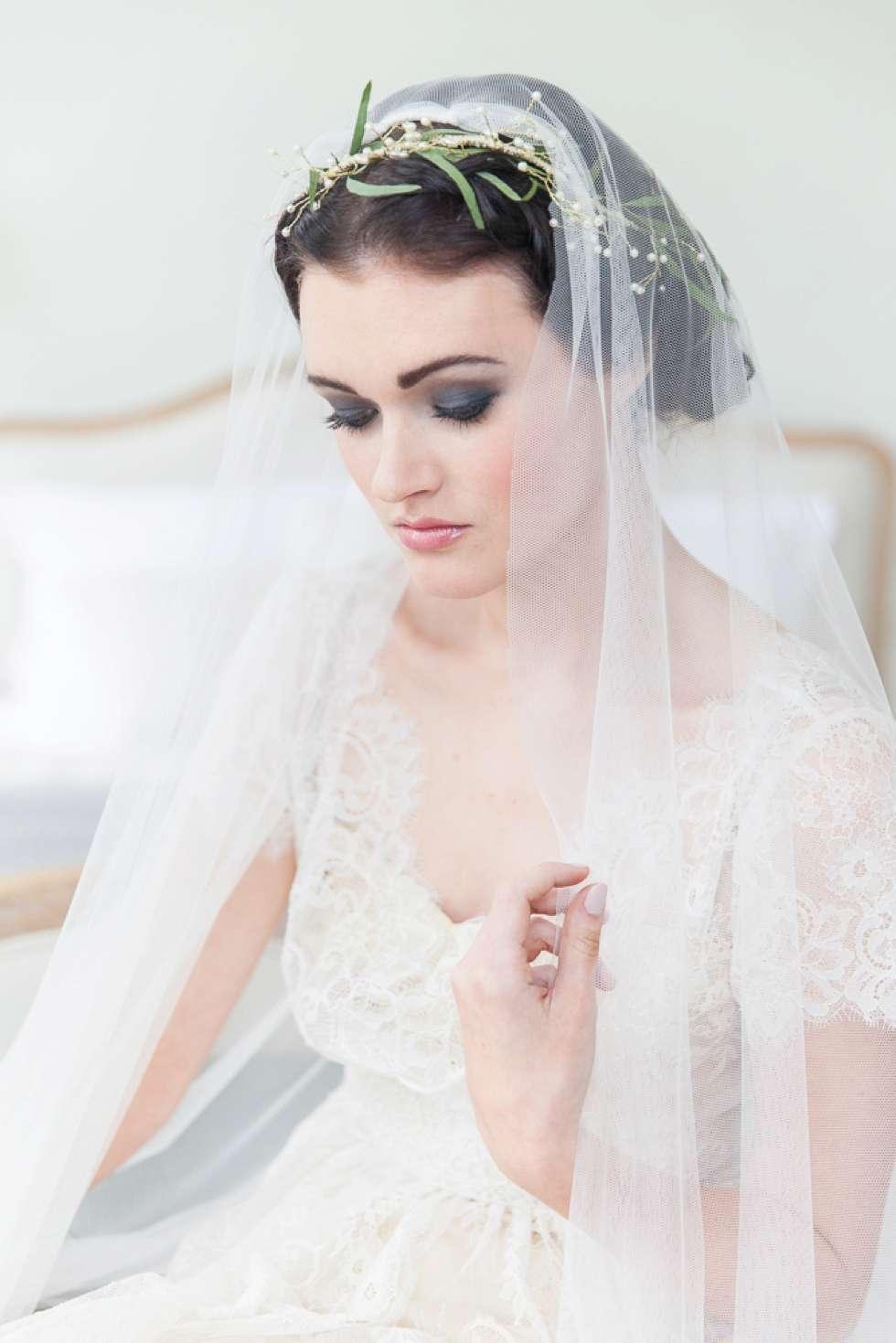 Wedding-Bridal-Fashion-At-Pynes-House-008