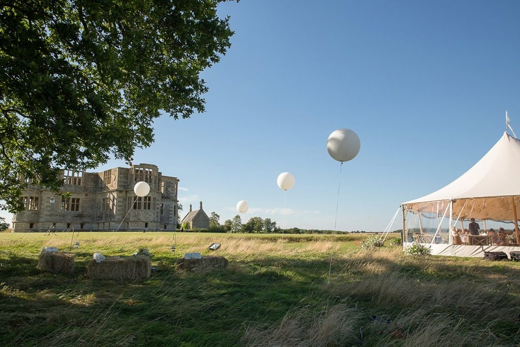 wedding at Lyveden New Bield with balloons