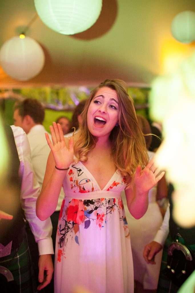 girl sings at wedding band