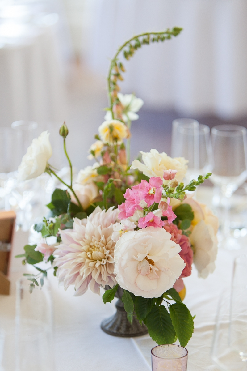 Centrepiece flowers by Laura Hingston