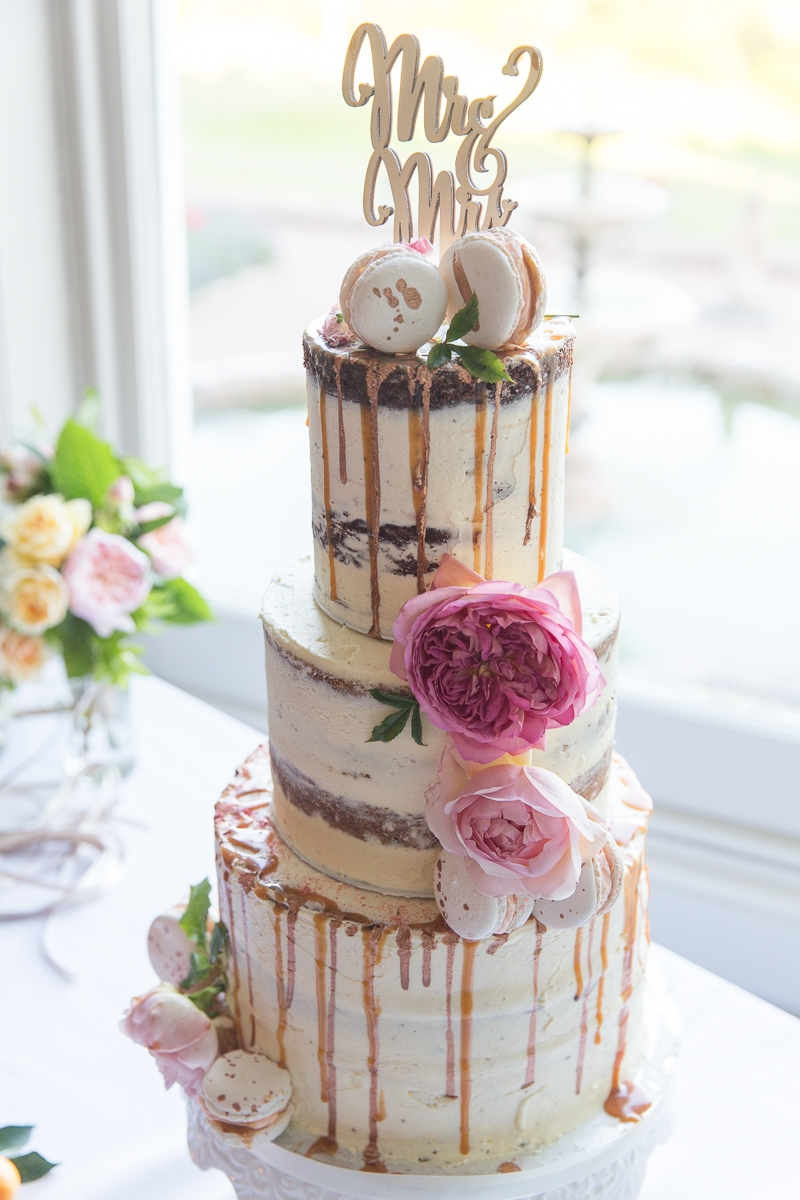 Wedding Cake by Edible Essence. Photo Mckenzie Brown Photography