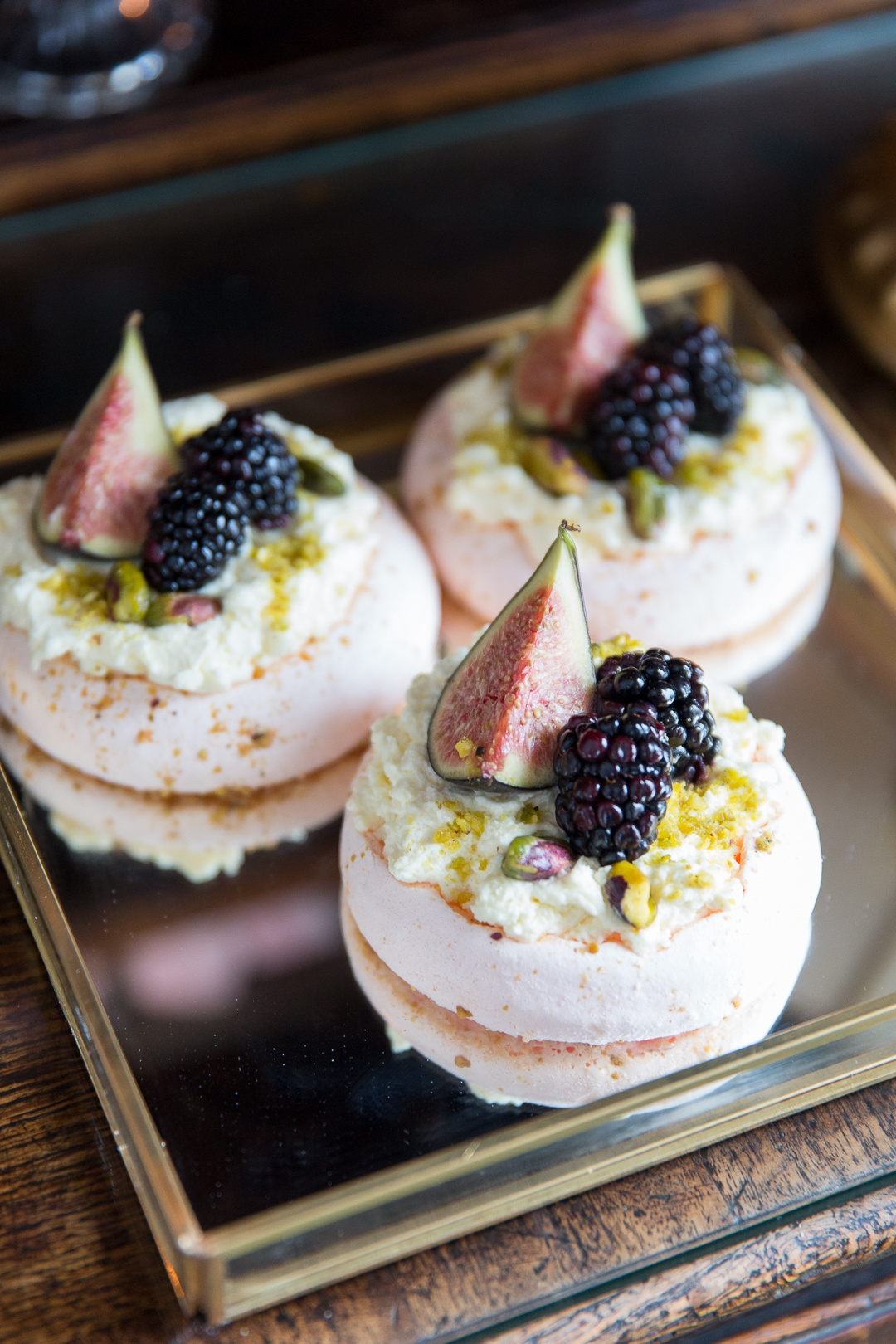 blush macaroons with figs and blackberries