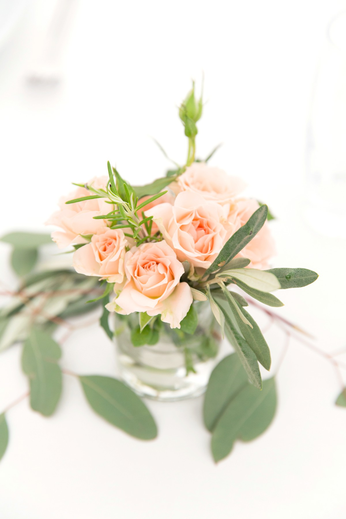 wedding flower centrepiece on Nyman Garden wedding