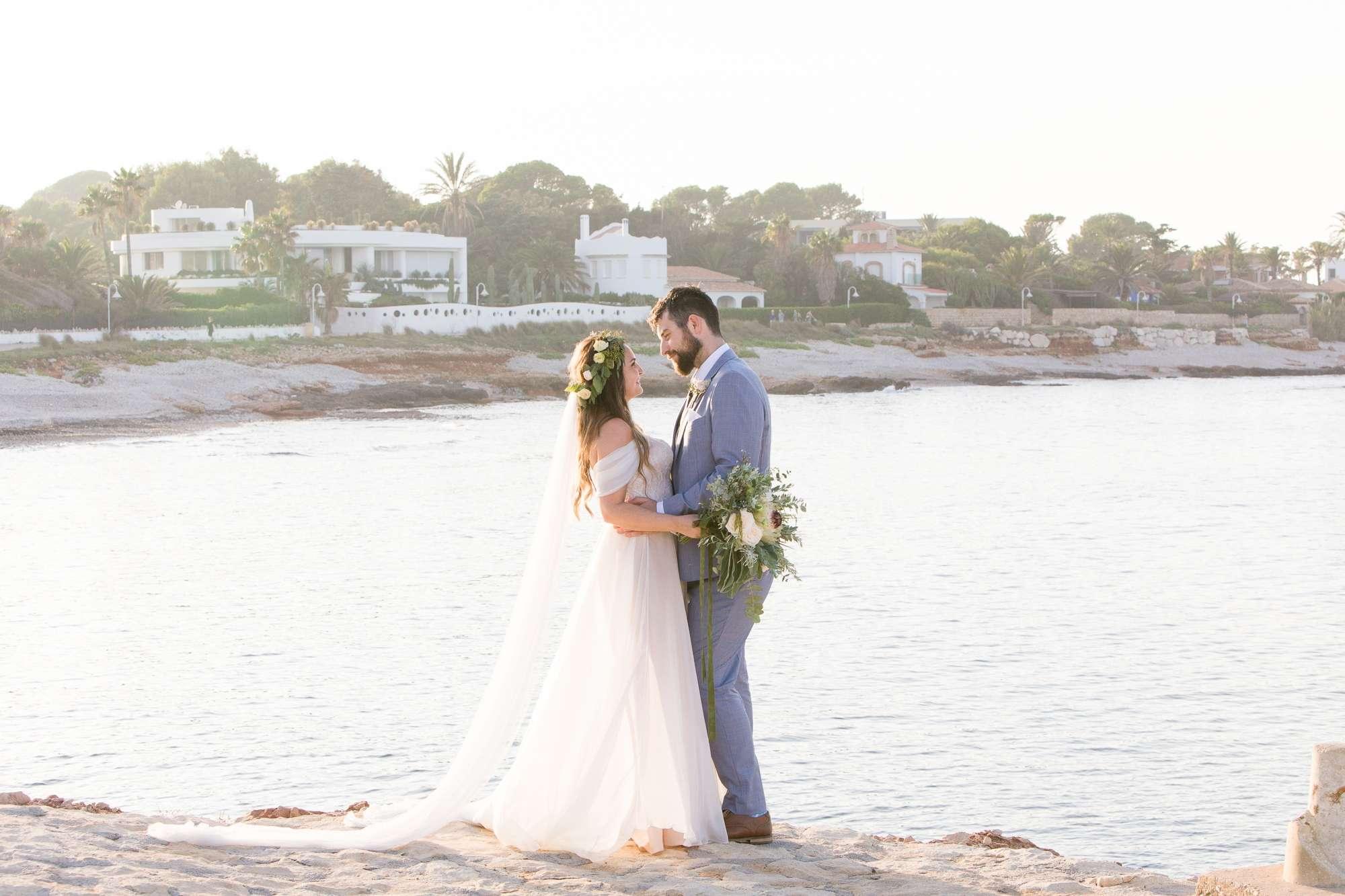bride and groom, destination wedding in Spain