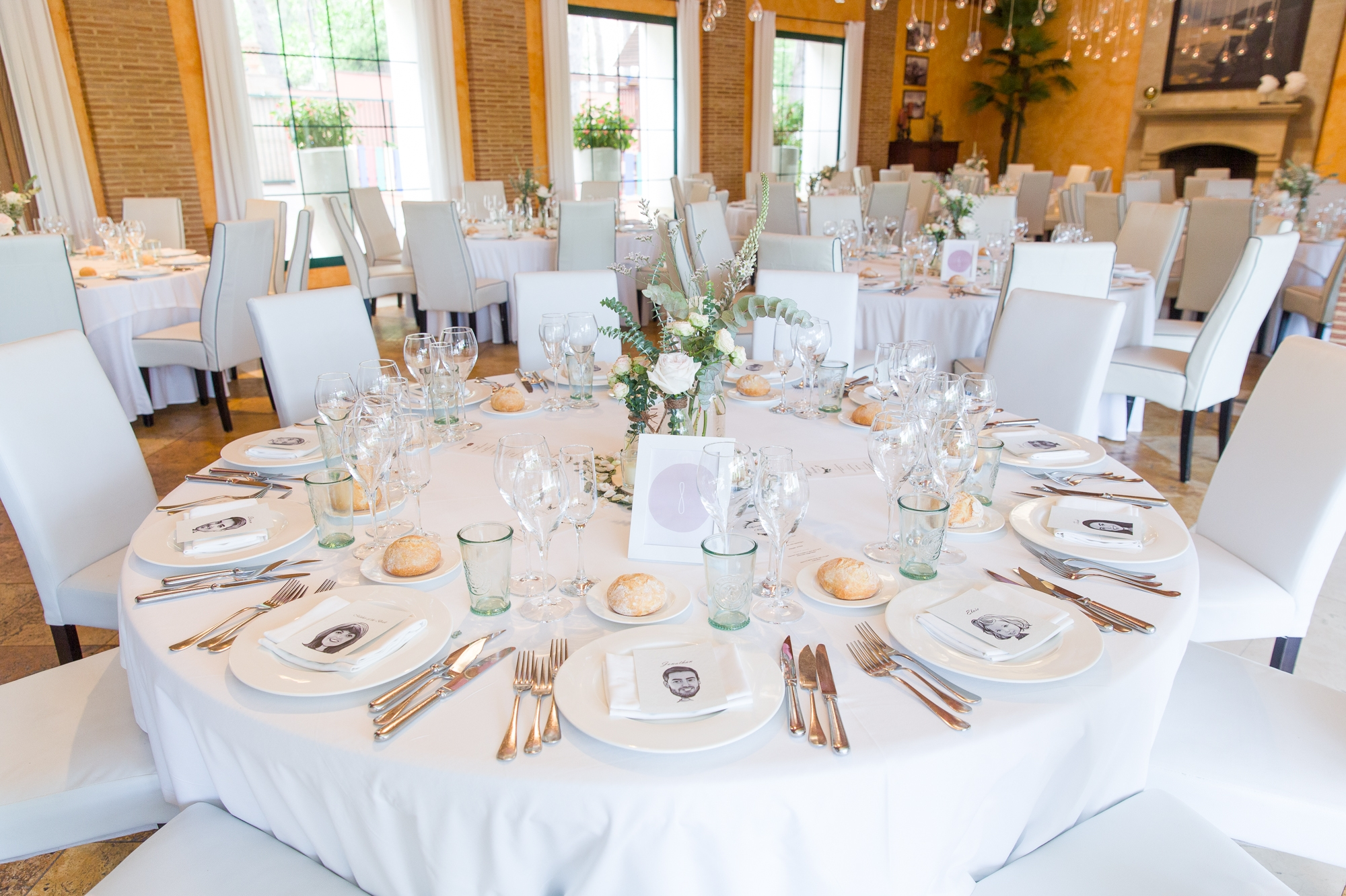 wedding table in white at Hotel Les Rotes wedding